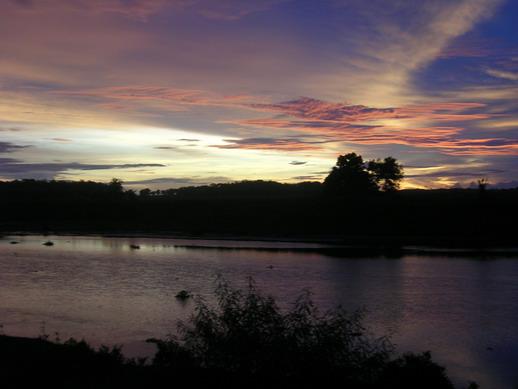 Panorama senja hari di jalur selatan Kebumen.