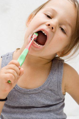 Gosok gigi tanpa odol.